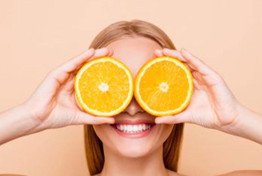 Waarom Vitamine C zo belangrijk is voor je huid en je lijf.